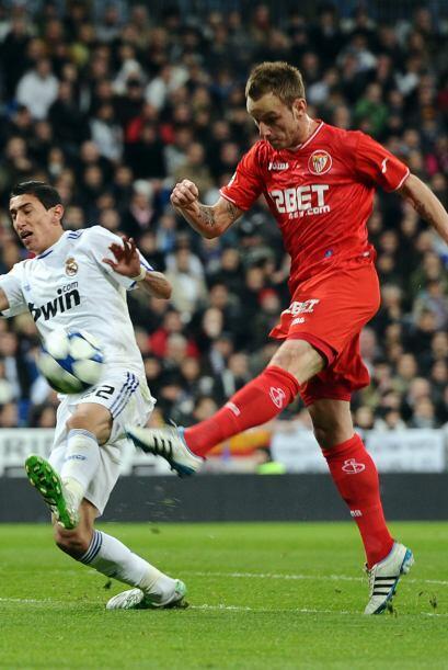 El Sevilla tuvo ocasiones para ponerse adelante en el marcador, con un g...