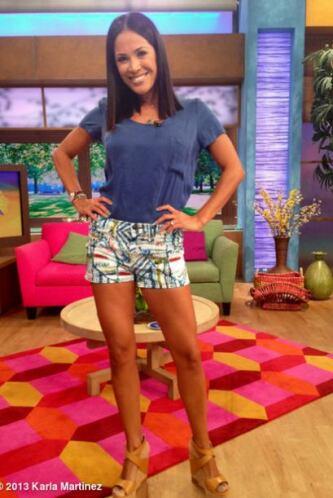 """""""Jueves de shorts en @DespiertaAmeric @Univision"""", conpartió Karla Martí..."""
