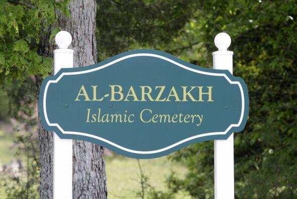 El cadáver de Tamerlan yace desde en el cementerio Al-Barzakah, e...