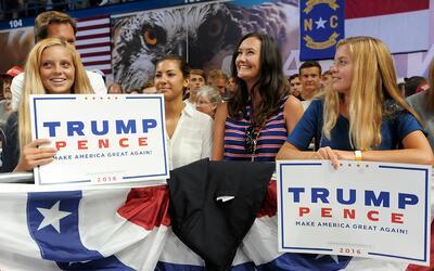 De acuerdo al estudio, los partidarios de Trump tienen poco contacto en...