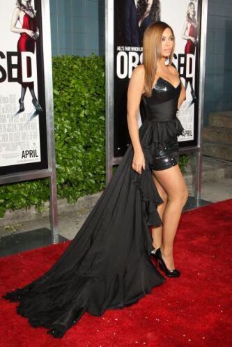 Todos quedamos obsesionados con el 'look' de la actriz en el estreno de...