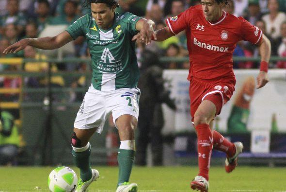 Carlos Peña (7): No lució en la media cancha. 'El Gullit' salió de cambi...