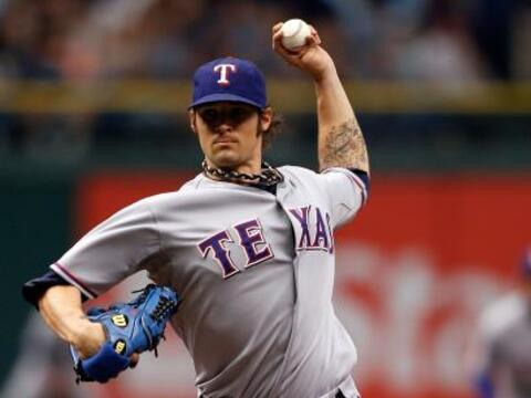 Los Rangers de Texas se colocaron a una victoria de eliminar a los...