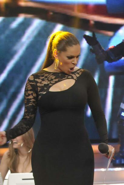 Ella no duda en meterle sazón a lo que hace y cuando baila le ech...