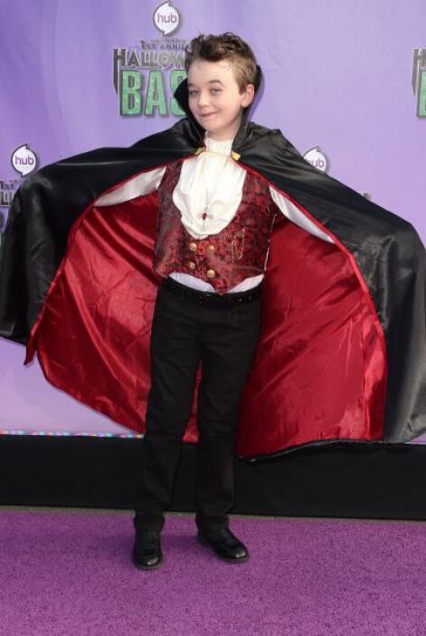 También está el atuendo tradicional del vampiro, el cual debe ser rescat...