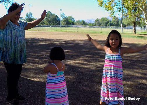 Pero, aun así Juanita teme ir al doctor con sus hijas, porque aunque le...