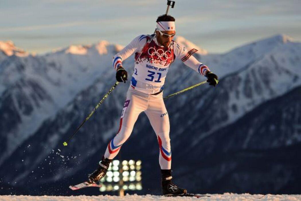El francés Martin Fourcade logró su segunda medalla de oro en el biatlón...