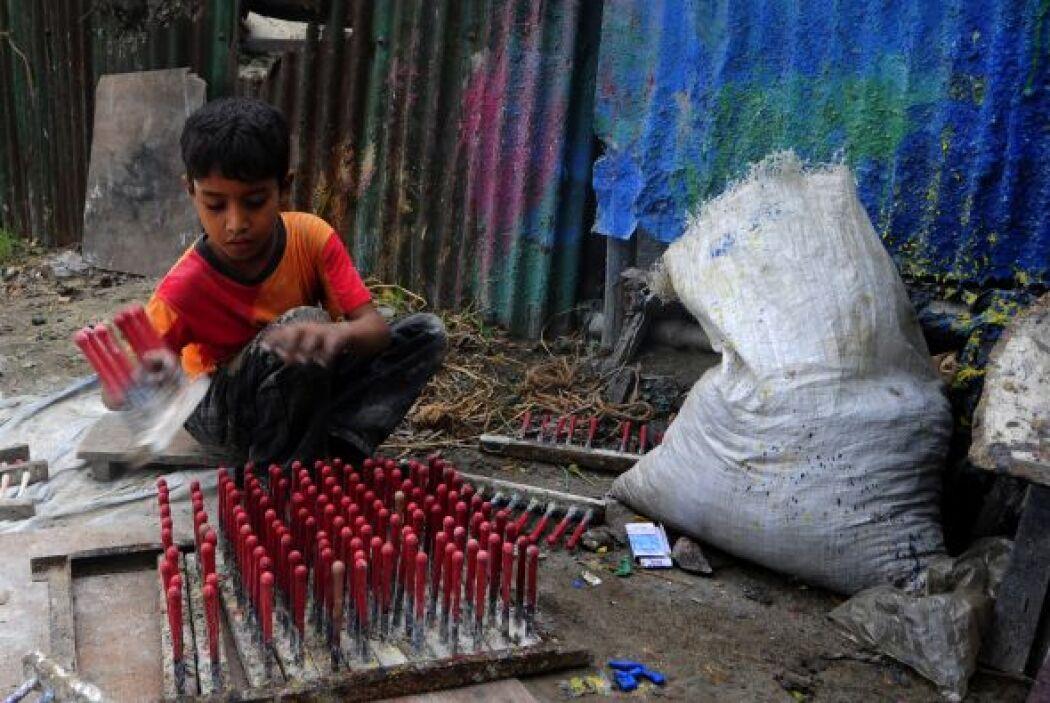 Estudios de la UNICEF indican que en el mundo hay 352 millones de menore...