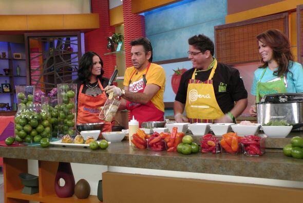 Alessandra y Eugenio se metieron hasta la cocina. Ellos son parte ya de...
