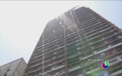 """Desalojan el rascacielos """"Torre de David"""" en Caracas"""