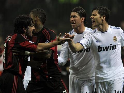 El segundo choque entre los históricos Milan y Real Madrid fue el...