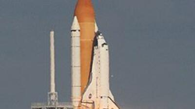 La NASA alista el despegue del transbordador espacial Atlantis para este...