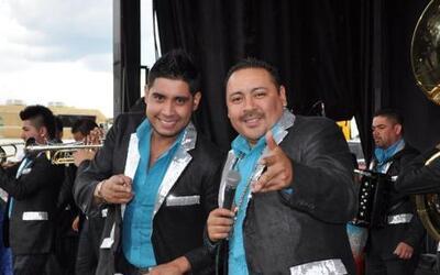 Directo de Zacatecas llegaron los músicos de la Banda la Chacaloza de Je...