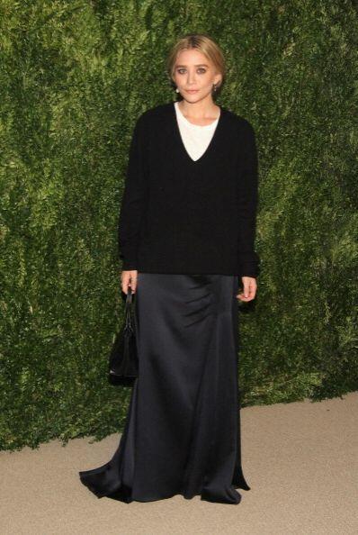 Ashley Olsen acudió sin su hermana gemela Mary-Kate, pero sí con un 'loo...