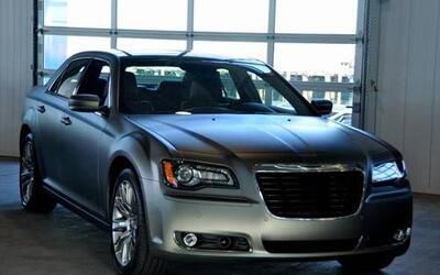 Chrysler renovó por completo su buque insignia para el 2011, pero no sol...