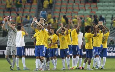 El equipo de Messi derrotó al de Neymar en Lima por 8-5 GettyImages-4762...