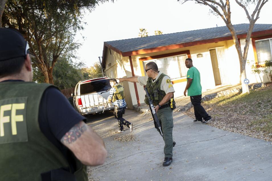 Hispanos consternados por tiroteo en California  sanbernardino11.jpg