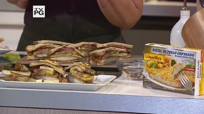 "Sándwich Integral de Manzanas en ""Maple Syrup"" con Bistec de Pollo Empan..."