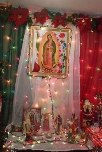 En la casa de Ade SanJuan no puede faltar una imagen de la Virgen de Gua...