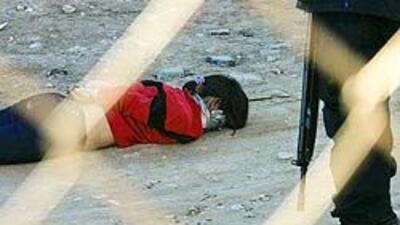 Amenazan a mujeres en la frontera con llevarlas a Juárez donde pueden se...