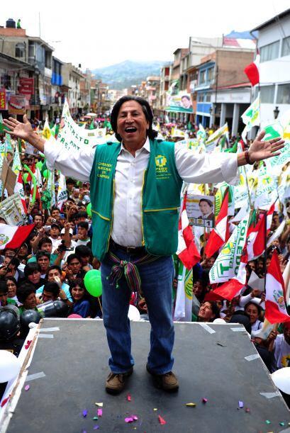 Alejandro Celestino Toledo Manrique es economista y político. Él ya estu...