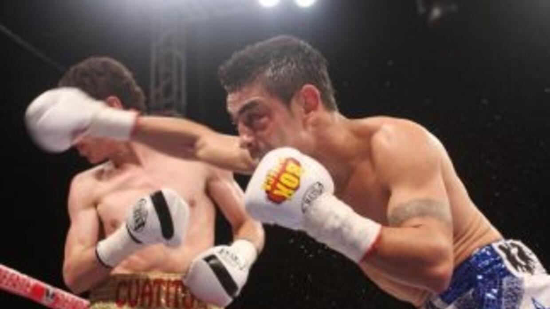 Hugo Ruíz termonó con Arce en cuatro rounds (Foto: Zanfer por facebook)