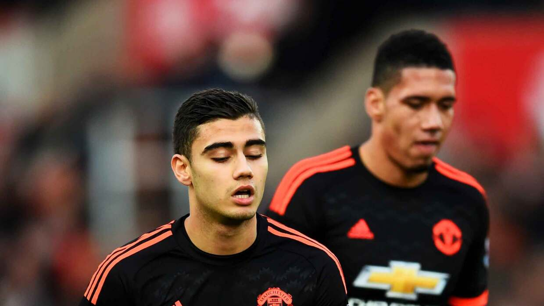Stoke derrota al United, Van Gaal tiembla