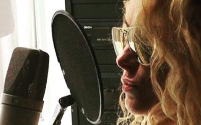 Paulina Rubio quiere lanzar su nuevo disco para el verano, por lo que di...