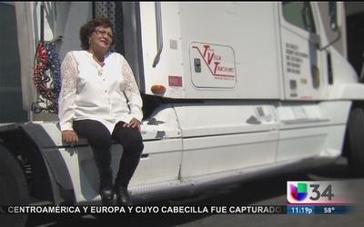 'Traileras', las reinas de las carreteras y los camiones