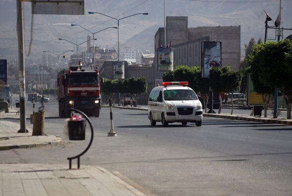 Las autoridades indicaron que de un segundo vehículo descendieron hombre...
