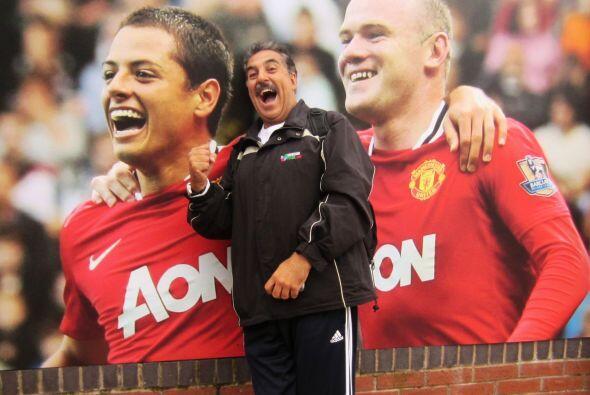 También encontramos a Rooney junto con el mexicano.