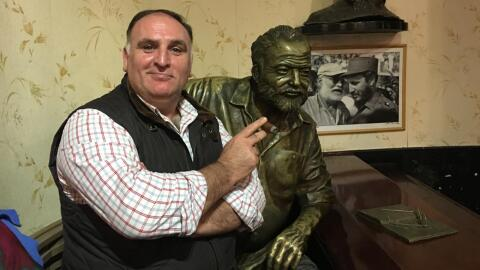 Chef José Andrés with bust of Ernest Hemingway in La Flori...