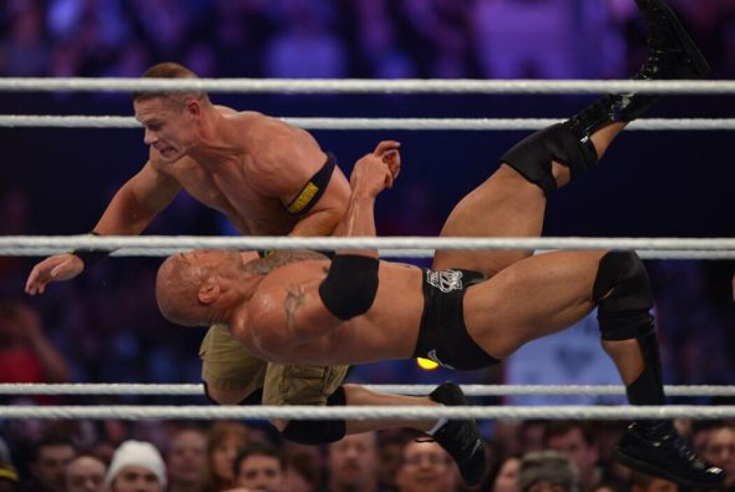 Al final fue John Cena el ganador, tomando revancha y quedándose con el...