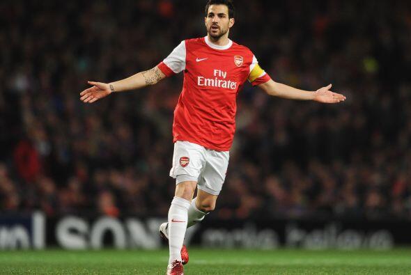 Cesc Fábregas sigue siendo figura en el Arsenal. Barcelona lo ha pedido...