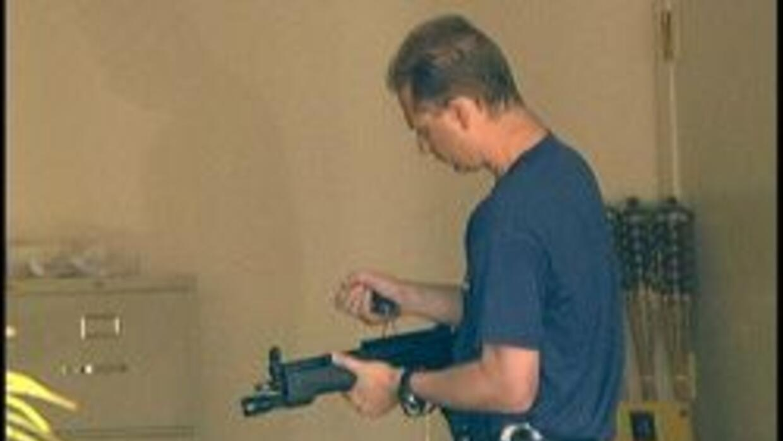 Arma que fue decomisada durante cateo