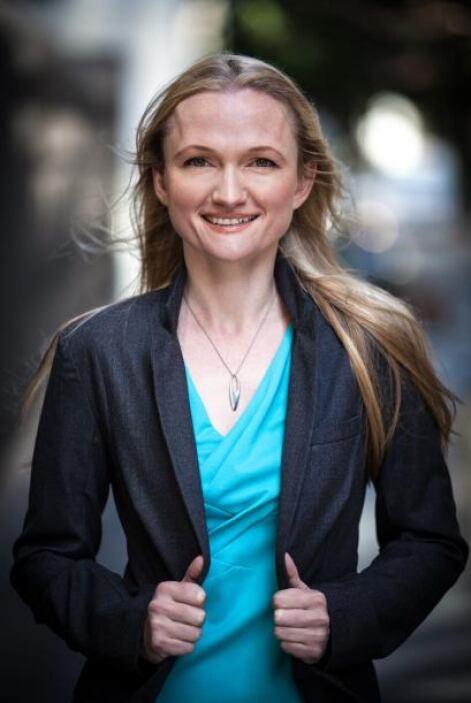 99.- LILA TRETIKOV: Es la nueva directora ejecutuva de la Fundación Wiki...