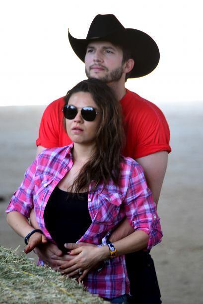 Mila y Ashton presenciaron todo el festival Stagecoach, especializado en...