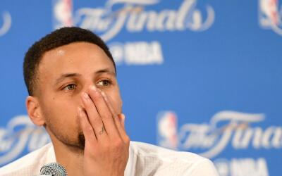 Curry reaccionó acerca de la situación en Charlotte.