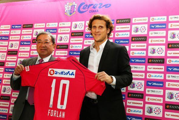 Con esta incorporación, Forlán se convierte en el fichaje...