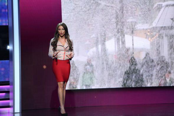 Carlos Calderón sacó lo mejor de las bellas durante un noticiero donde f...
