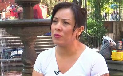 Mujer deportada convierte su dolor en ayuda para otros como ella