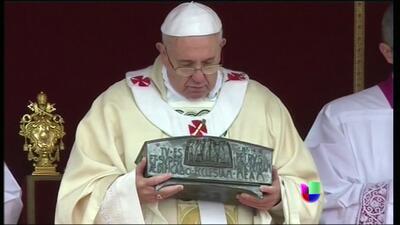 El Vaticano exhibió los restos de San Pedro