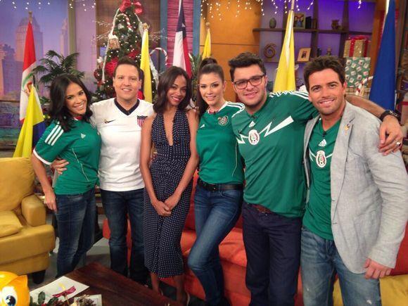 """""""Día futbolero en @DespiertaAmericaTv, engalanados con la visita de Zoe..."""