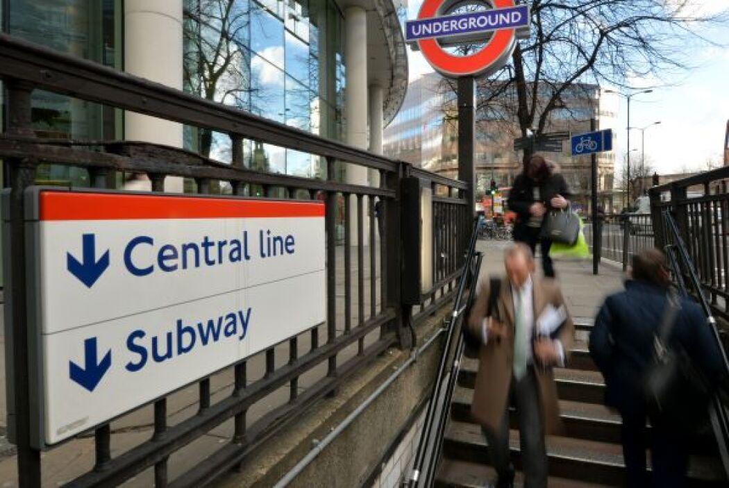 Todas las líneas del metro, utilizadas a diario por tres millones de per...
