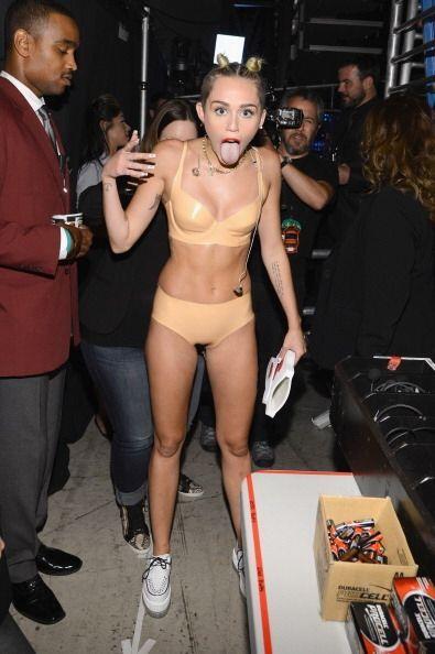 Miley es el claro ejemplo de que para resaltar tus atributos no es neces...