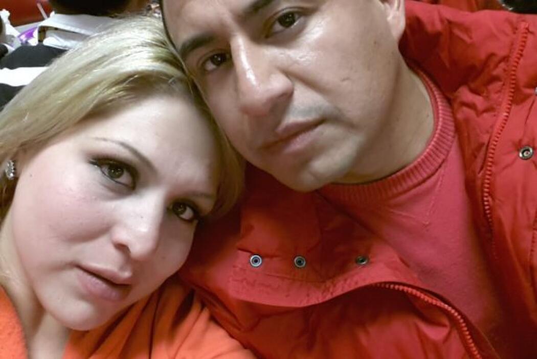 Johana quiso enviar un saludo a su esposo, Mario Edgar, por siete años d...