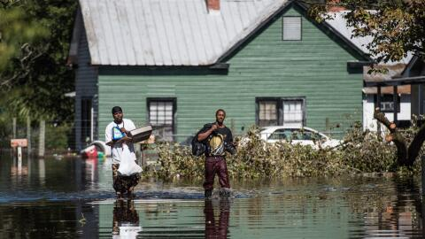 Residentes de Carolina del Norte esta semana seguían tratando de recuper...