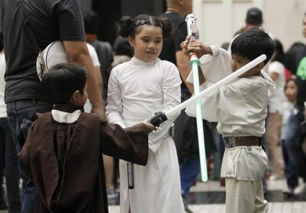 Y ¿qué tal estos pequeños filipinos que usaron trajes de Star Wars?