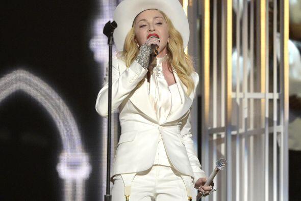 Mientras Madonna se encontraba en el escenario entonando lo que se ha co...