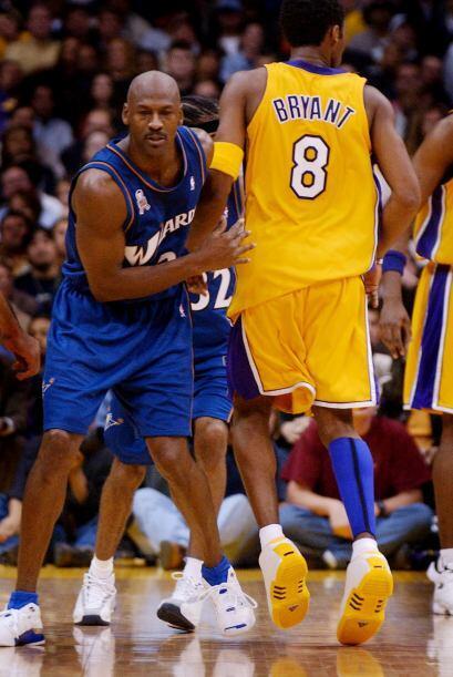 JUGADOR MAS VALIOSO DE LA TEMPORADA - Michael Jordan 5 - Kobe Bryant 1